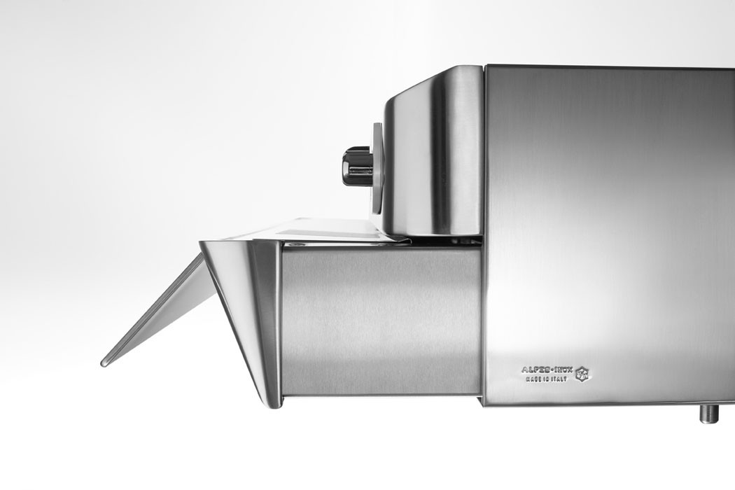 Edelstahl-Dunstabzugshaube mit ausziehbarer Filterfläche