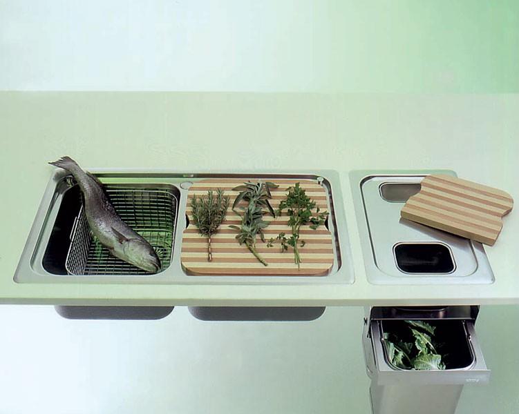 Edelstahl-Einbauspüle mit Abfalltrennsystem