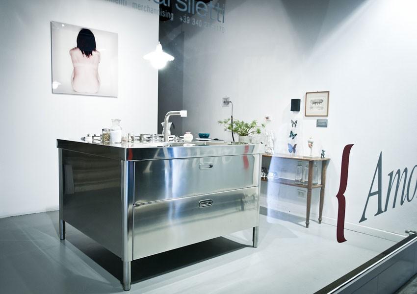 Edelstahl-Insel-Küchenelement 130 cm mit Kochfeld, Spüle und Lagerschrank