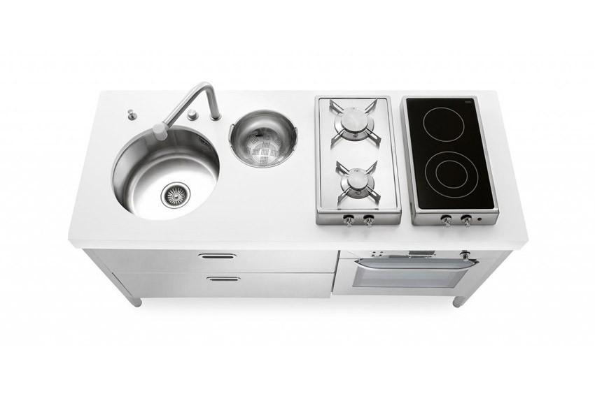 Küchenelemente zum Spülen, Kochen, Aufbewahren, Kühlschrank, Weinkeller