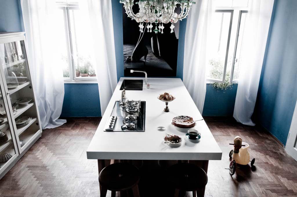 Edelstahl-Kücheninsel mit Theke 250 bis 280 cm