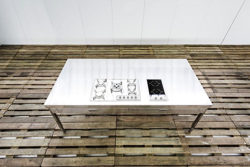 Edelstahl-Kücheninsel 250 cm in Küchentisch-Ausführung