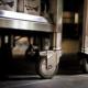 Küchenwagenelement mit Edelstahl-Arbeitsplatte, kombiniert mit dem Outdoor-Küchenelement