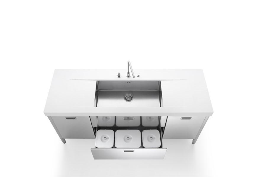 Kücheninsel mit Unterbaubecken aus Edelstahl von Alpes Inox